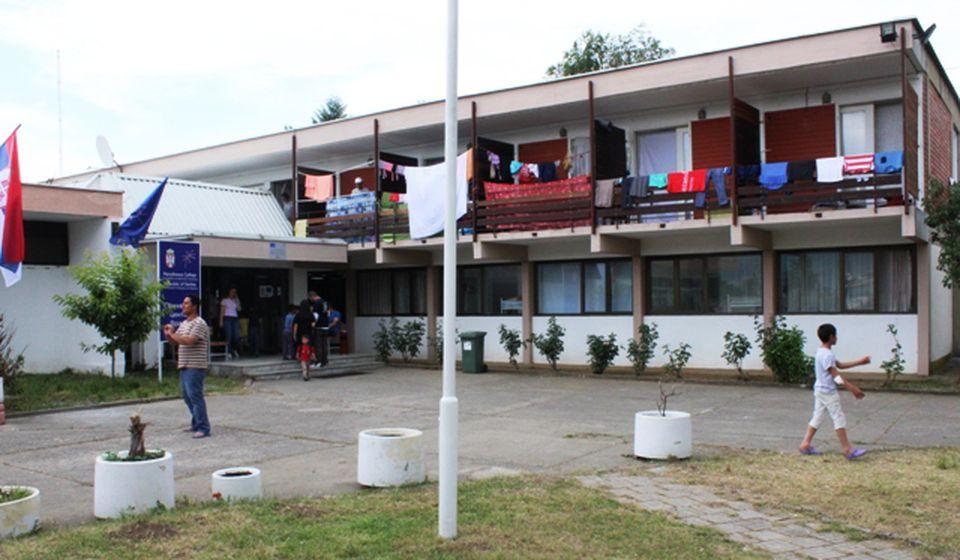 Program posete počinje od Motela: migranti u Prihvatnom centru u Vranju. Foto D. Pešić
