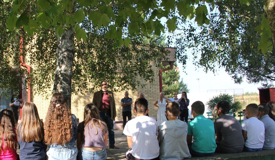 Odeljenje vranjske Gradske biblioteke koje radi pri školu u Vrtogošu od srede bogatije za 200 novih naslova. Foto Vranje News