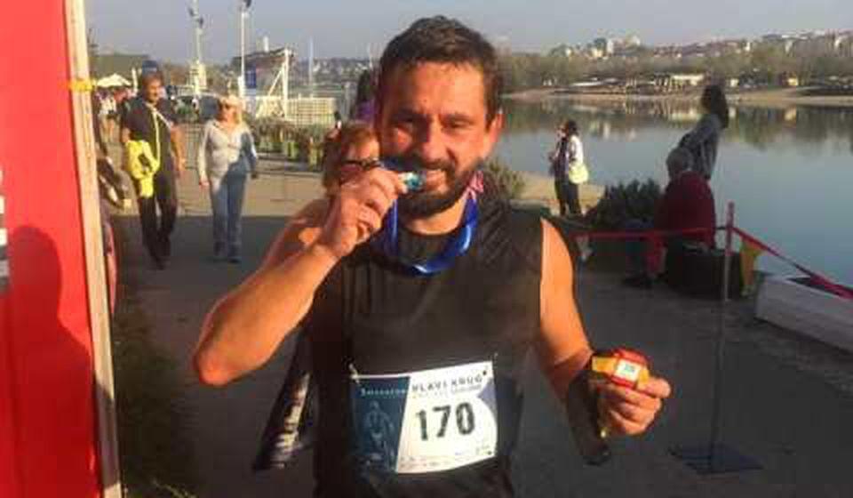 Saša Ćuković oborio lični rekord na maratonu u Beogradu. Foto AK Vranjski maratonci