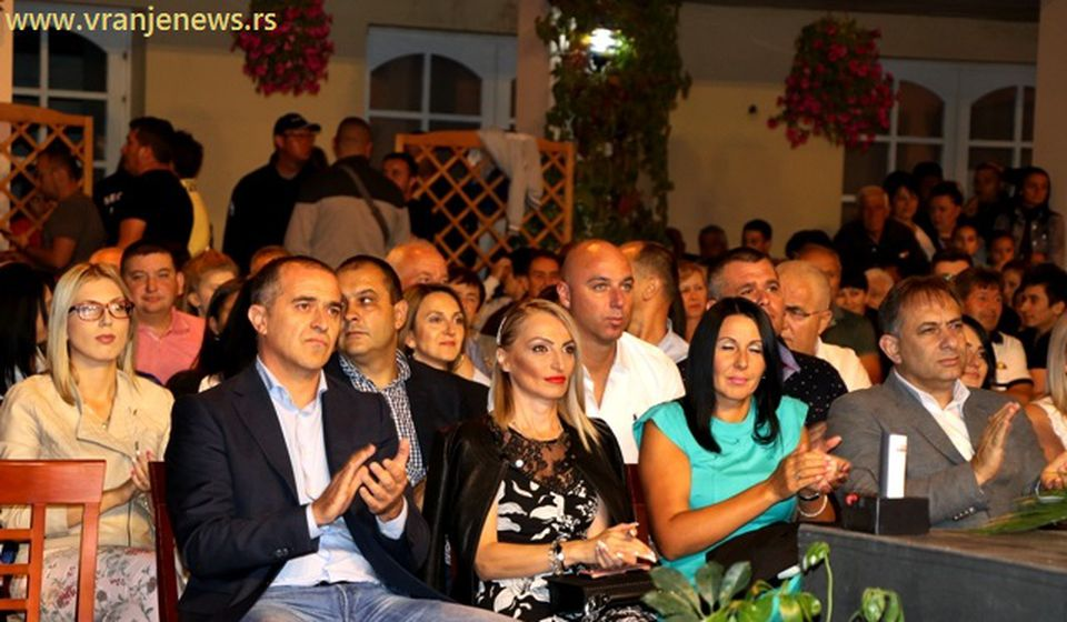 I političari zadovoljni. Foto VranjeNews