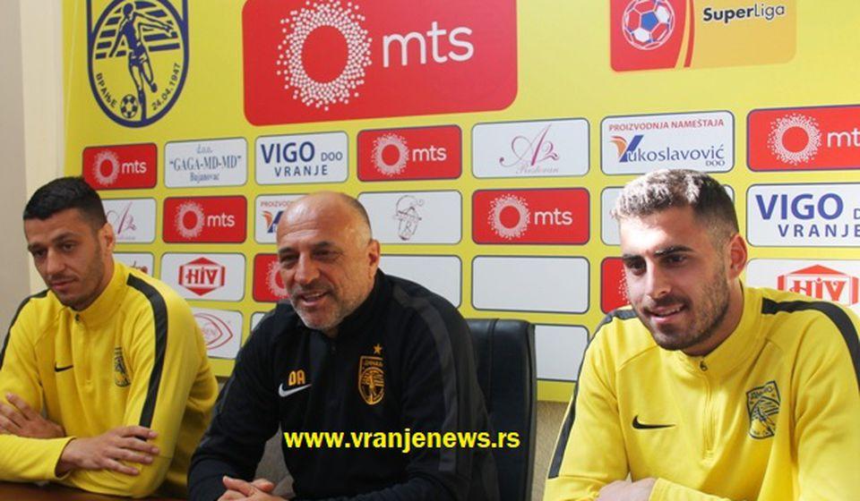 Ožegović, Dragan Antić i Pavišić na konferenciji za medije. Foto VranjeNews