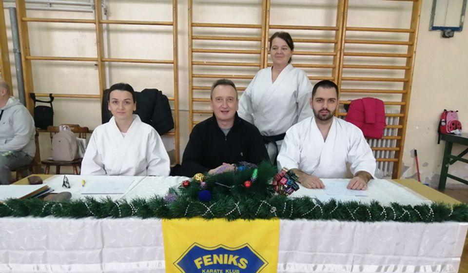 Foto Feniks