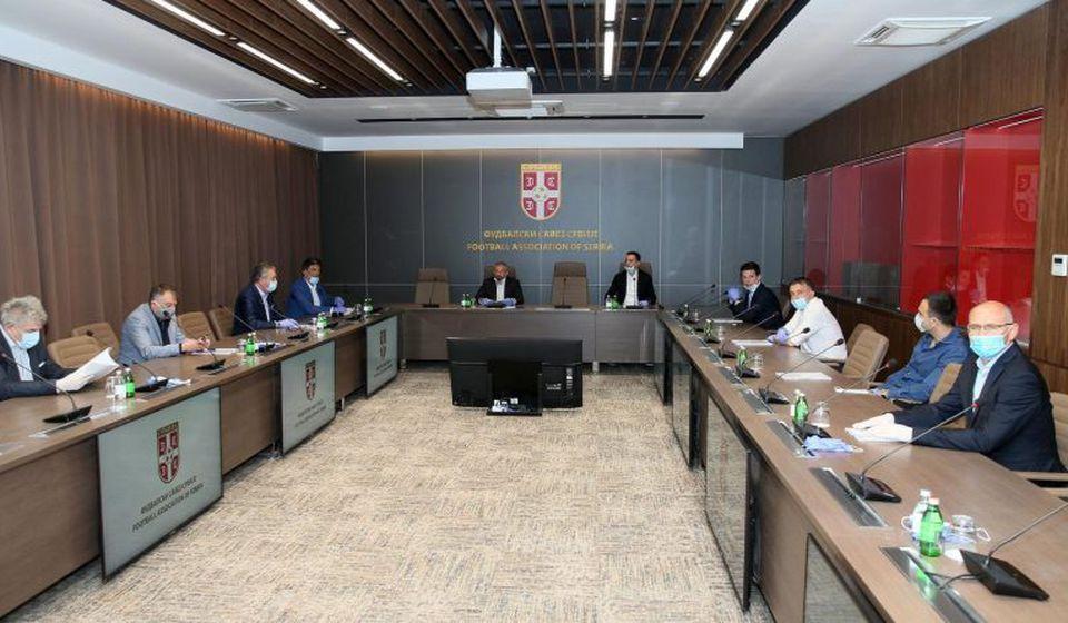 Nada za bujanovački Zufo: detalj sa sednice Odbora za hitna pitanja. Foto FSS