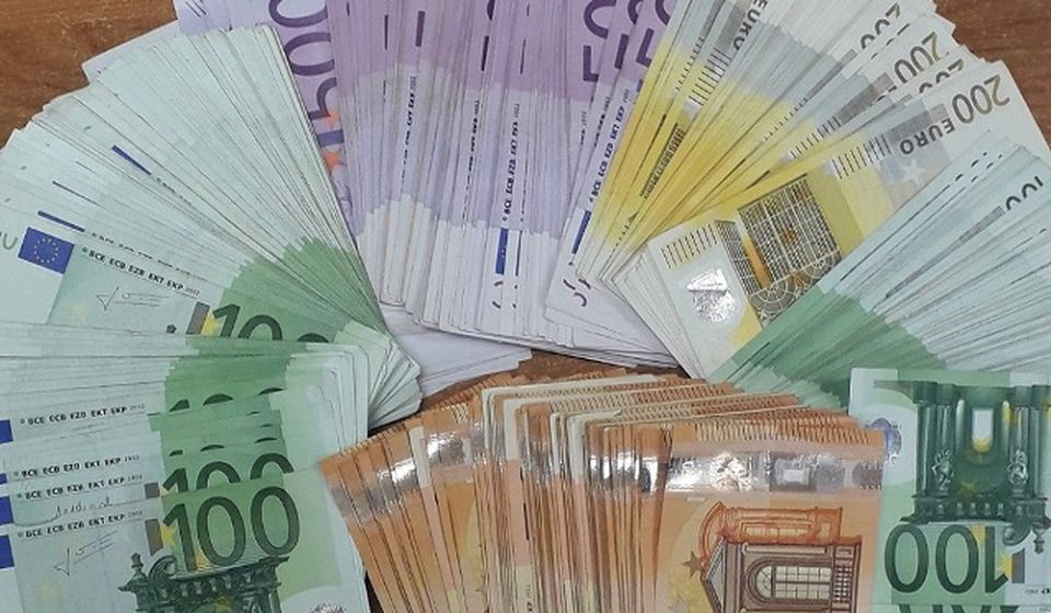 Sto sedamdeset hiljada evra na Gradini. Foto Uprava carina
