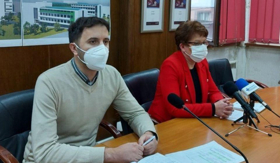 Većnici Bojan Kostić i Danijela Milosavljević. Foto www.vranje.org.rs
