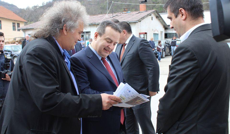 Vladimir Zaharijev sa šefom diplomatije Ivicom Dačićem. Foto D. Pešić