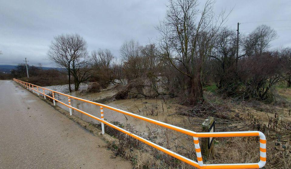 Zatvaraju se i putni pravci: most kod Ćukovca. Foto www.vranje.org.rs