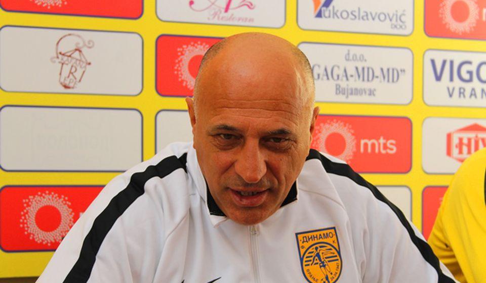 Nisam izveo ekipu zbog penala, već zbog napada navijača na naše rezervne igrače: Dragan Antić. Foto VranjeNews