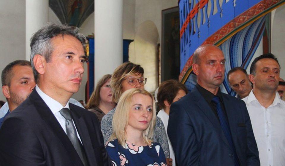 Gradonačelnik Milenković (levo) sa najbližim saradnicima na svetoj liturgiji povodom gradske slave. Foto VranjeNews