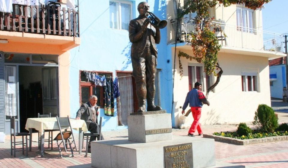 Spomenik Bakiji Bakiću u gornjoj čaršiji. Foto VranjeNews