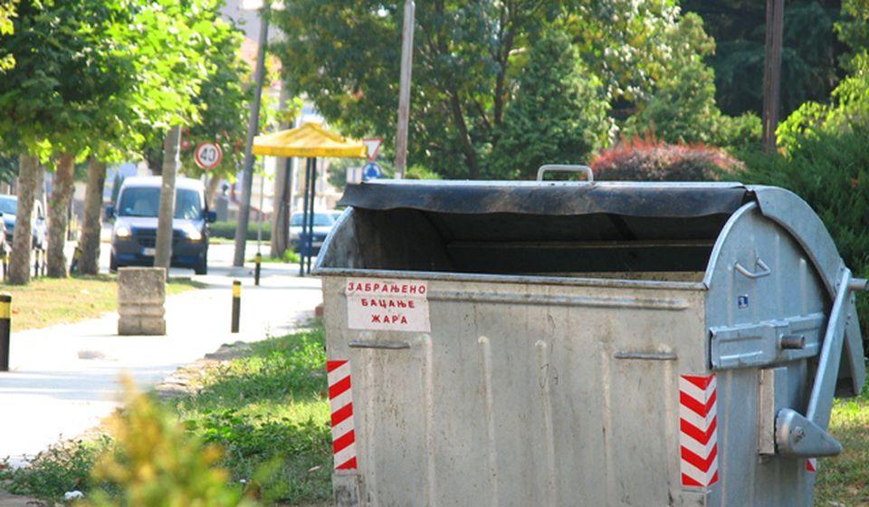 Svest je takva da se u Vranju sav otpad uglavnom baca u jednu vrstu kontejnera. Foto Vranje News