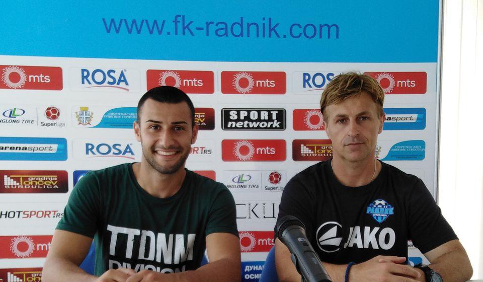 Dejan Arsov (desno) i Boban Georgiev. Foto FK Radnik