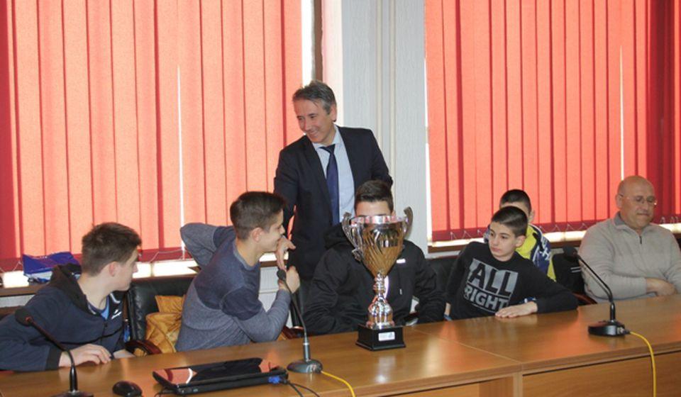 Gradonačelnik Milenković čestitao mladim nadama na uspehu. Foto VranjeNews