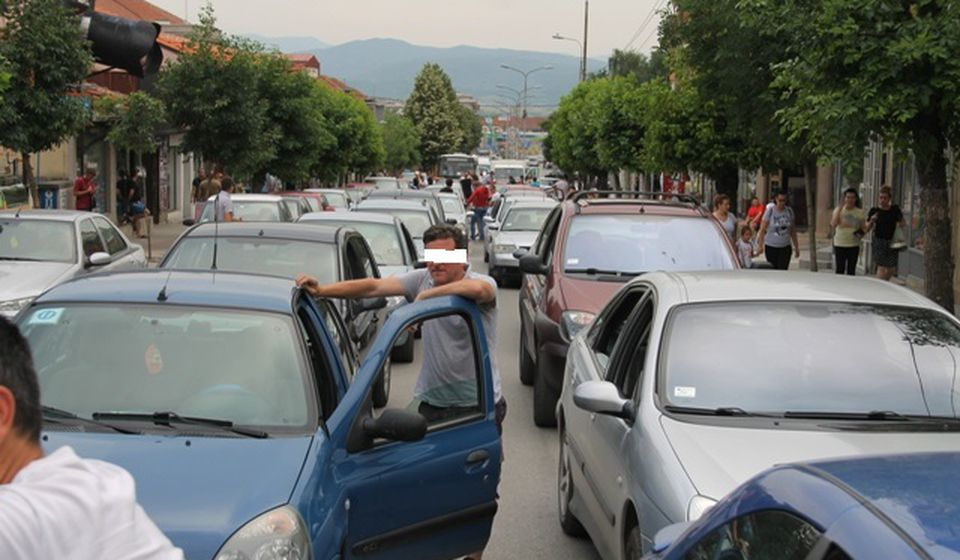 Na desetine vlasnika vozila na protestu u Vranju. Foto VranjeNews