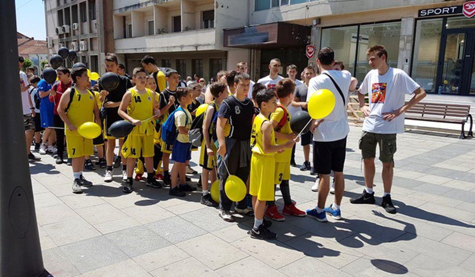 Defile KK Panteri na gradskom šetalištu. Foto VranjeNews