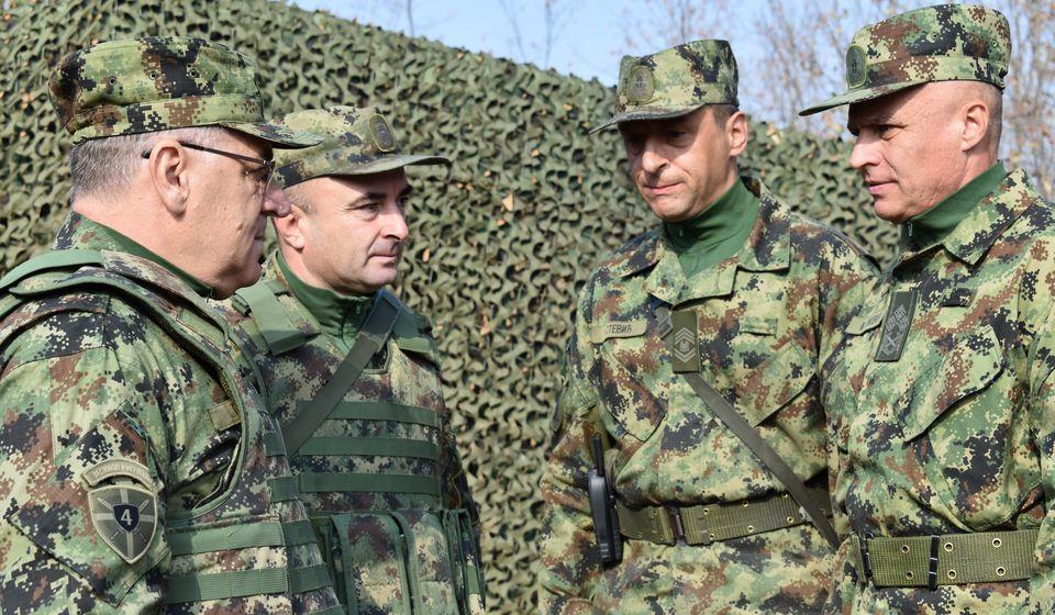 Generali Simović i Stopa sa saradnicima. Foto Ministarstvo odbrane
