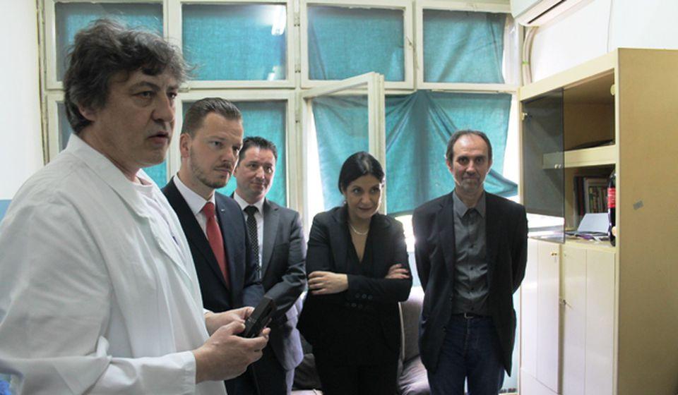 Donirana oprema za operacije katarakte. Foto VranjeNews