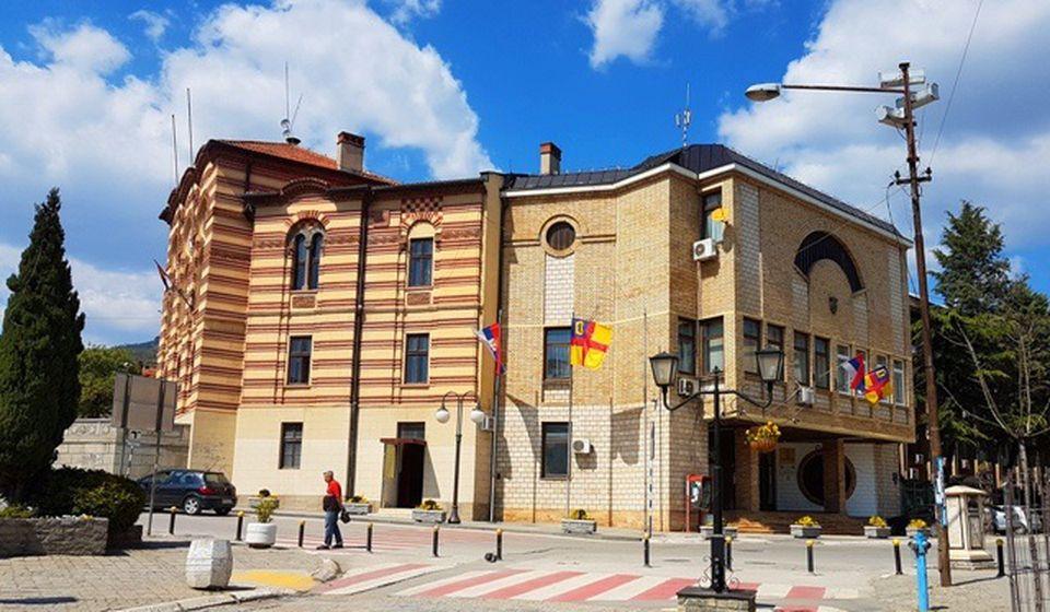 Penzioneri mogu da kupuju u prodavnicama nedeljom od 4 do 7 ujutro. Foto Vranje News
