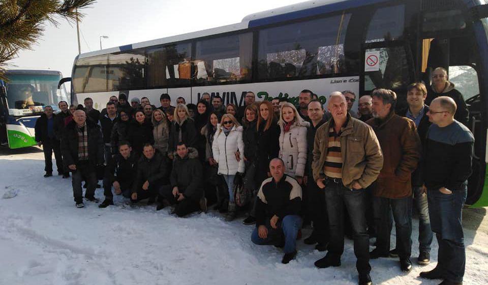 Neki vranjski prosvetari pohvalili su se na Fejsbuku da idu na doček Putinu. Foto FB