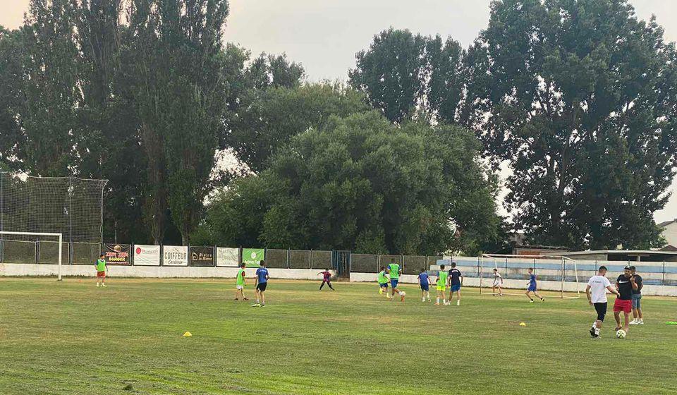 Prvenstvo u nedelju počinje i za debitante iz Velikog Trnovca, lanjske prvake Pčinsjke okružne lige. Foto KF Ternoci (Fejsbuk)