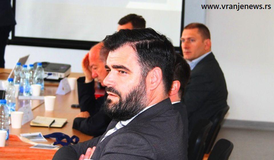 Besplatni udžbenici za preko 4.000 albanskih đaka: predsednik NSA Ragmi Mustafa. Foto Vranje News