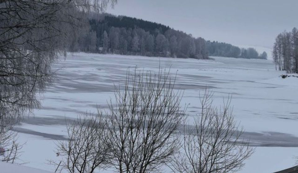 I Vlasina okovana snegom. Foto Vranje News