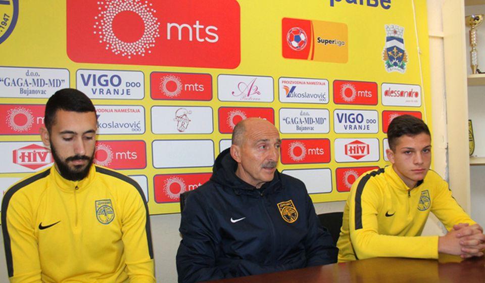 Konferencija za medije pred utakmicu u Lučanima. Foto VranjeNews