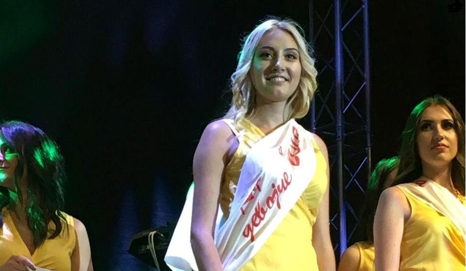 Lidija Stojanović, mis Karanfil devojče sa pratiljama. Foto Grad Vranje