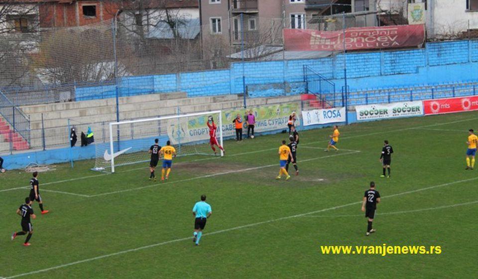 Jedna od šansi Dinama u utakmici sa Čukaričkim. Foto VranjeNews