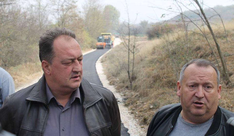 Saša Pešić i Dejan Stanojević na licu mesta. Foto Grad Vranje