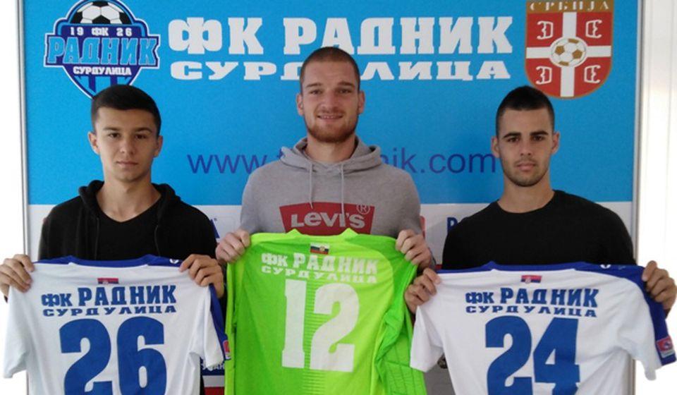 Islamović, Kostić i Stojanović pojačali Surduličane. Foto FK Radnik