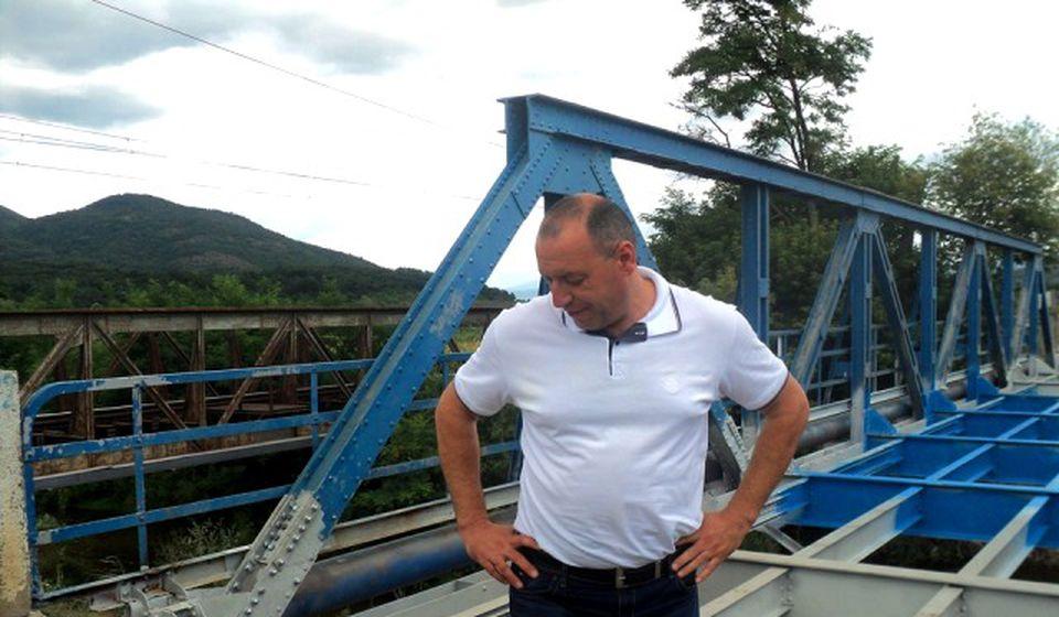 Predsednik gradske opštine Vranjska Banja Dragan Sentić prilikom obilaska radova. Foto S. Tasić