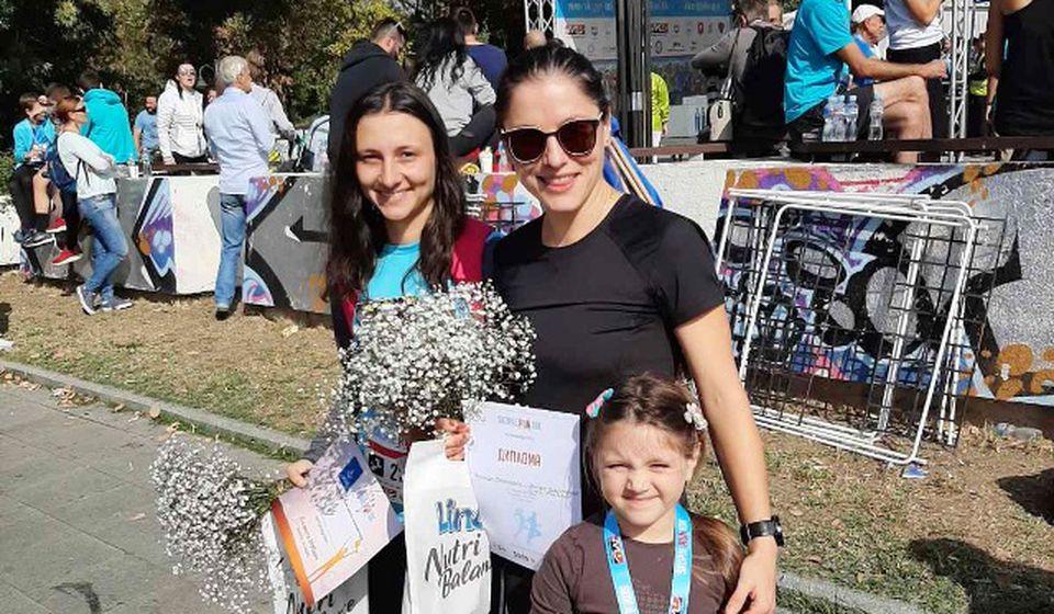 Dunja Mihajlović i Jelena Stojiljković. Foto privatna arhiva