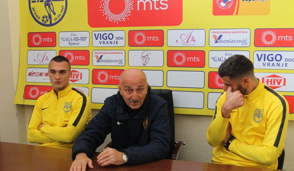 Maksimalno smo iskoristili pauzu u prvenstvu: Radmilo Jovanović sa Vukajlovićem i Pavišićem. Foto VranjeNews