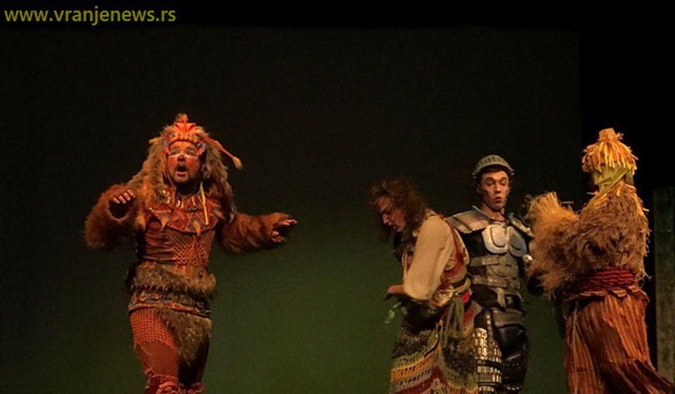 Detalj iz predstave Čarobnjak iz Oza. Foto Vranje News