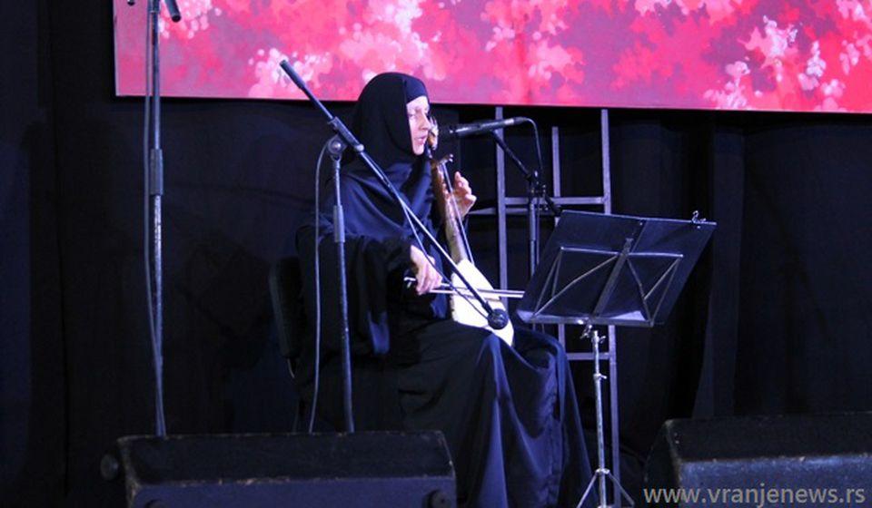 Nastupila i monahinja Jelena Rakić iz manstira Sveti Pantelejmon u Lepčincu. Foto VranjeNews