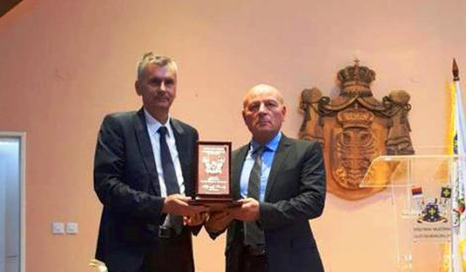 Uručenje nagrade Miroljubu Aleksiću. Foto Grand Hotel Tornik (FB)