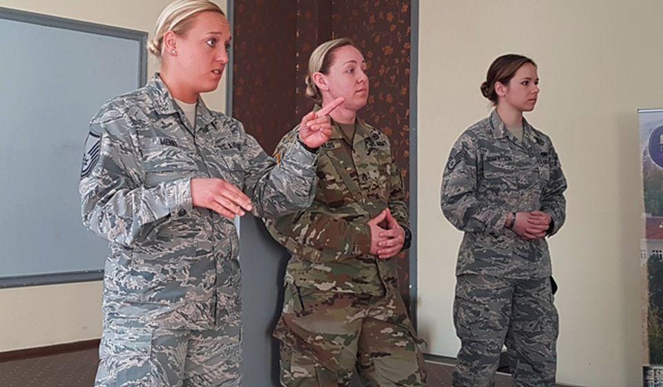 Pripadnice Nacionalne garde Ohaja. Foto VranjeNews