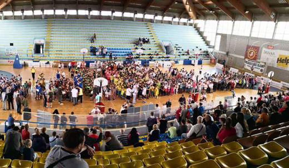 Uspešno završen Mini basket festival. Foto VranjeNews