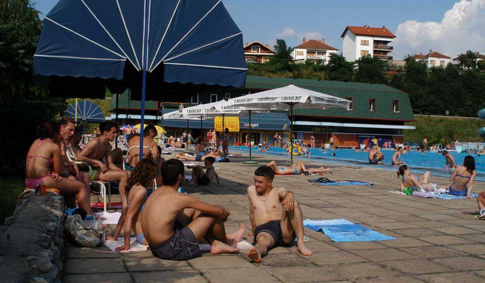 Prvi ovosezonski dani na hanskom bazenu. Foto opština Vladičin Han