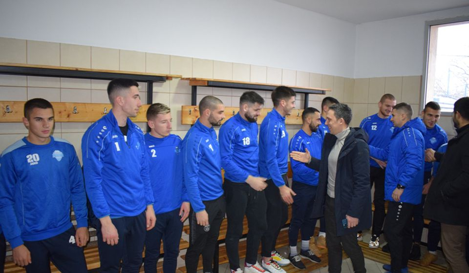 Prvog dana priprema obavljena prozivka kojoj je prisustvovao predsednik kluba Stanislav Tončev. Foto FK Radnik