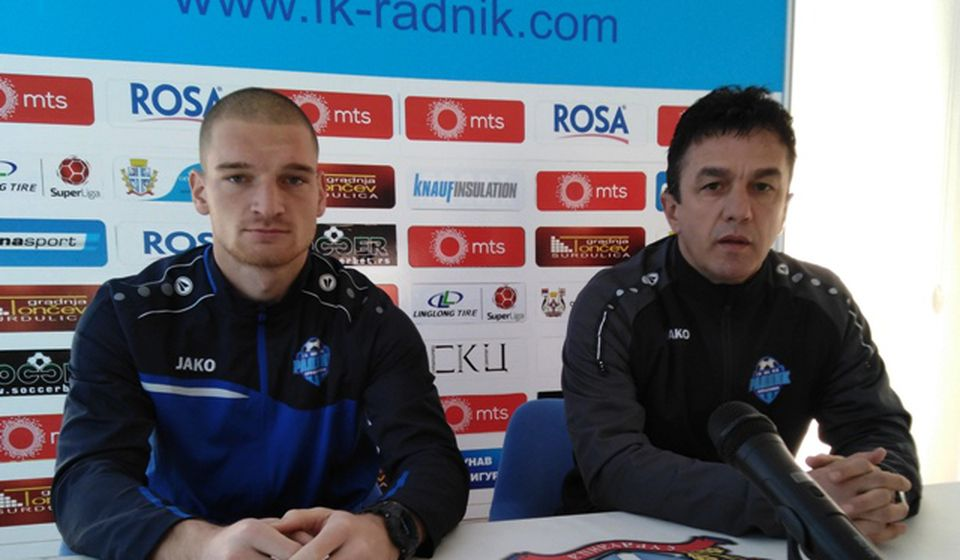 Simo Krunić i golman Ivan Kostić na konferenciji za medije pred duel sa Čukaričkim. Foto D. Mirčev