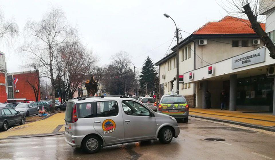 Taksisti traže da se sve vrati na staro. Foto VranjeNews