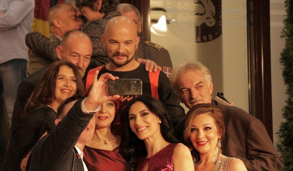 Glumci Pozorišta Bora Stanković na otvaranju. Foto VranjeNews