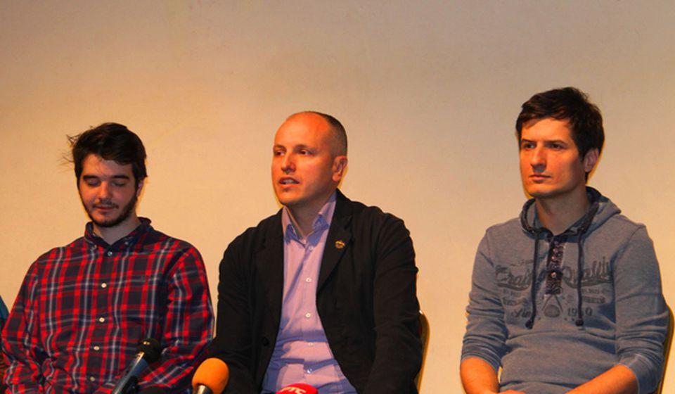 Direktor Jović naglasio da se u Vranju i dalje insistira na afirmaciji mladih pozorišnih stvaralaca. Foto VranjeNews