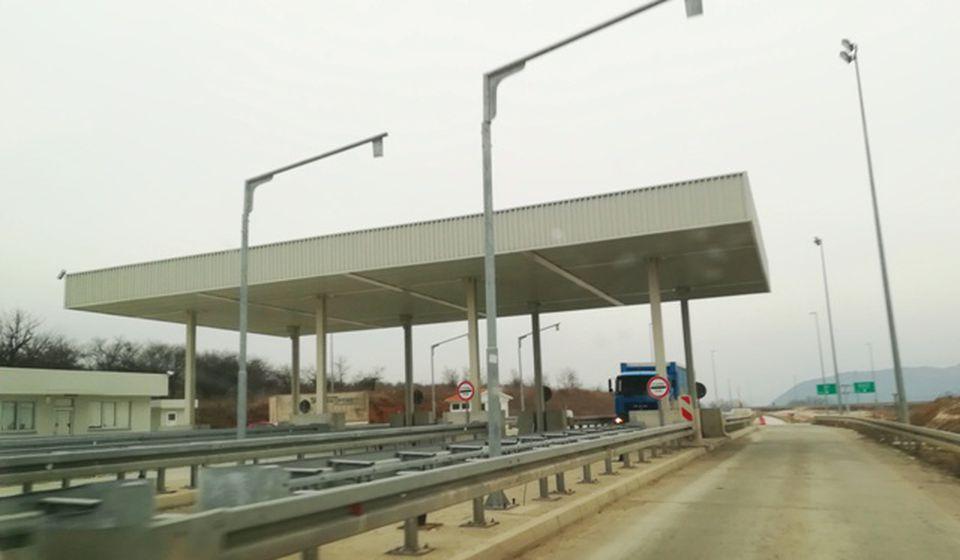 Naplatna rampa kod Suvog Dola. Foto VranjeNews