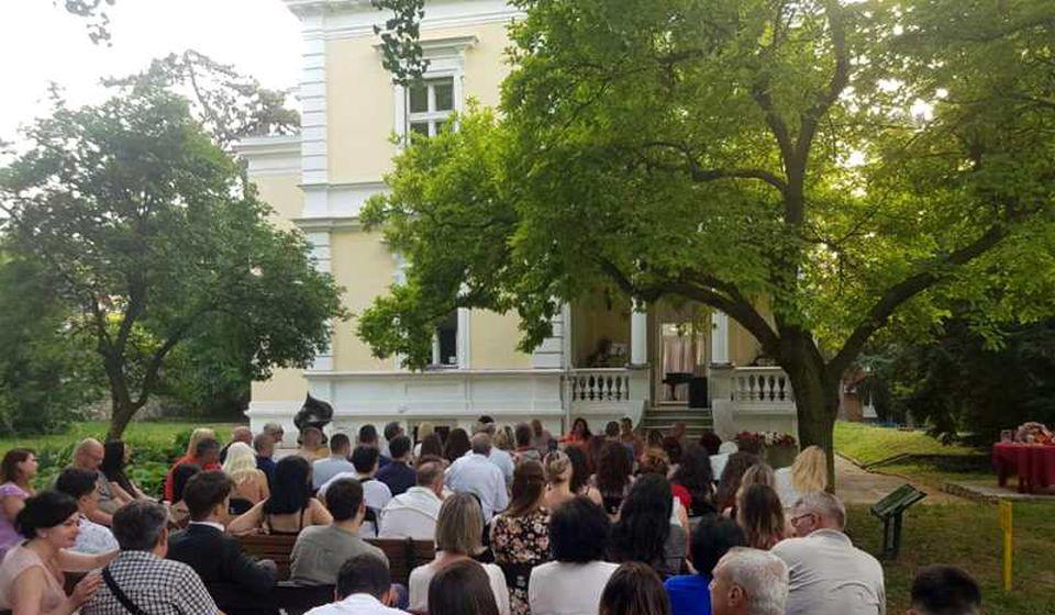 Sa promocije knjige u Beogradu. Foto Žuto cveće