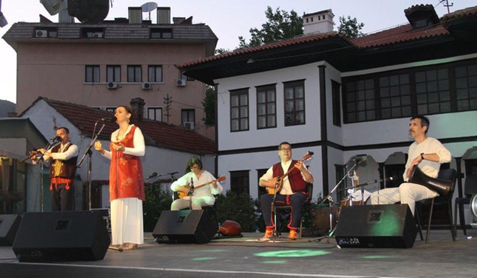 Detalj sa Vidovdanskog koncerta Izvora u Vranju. Foto vranjeNews