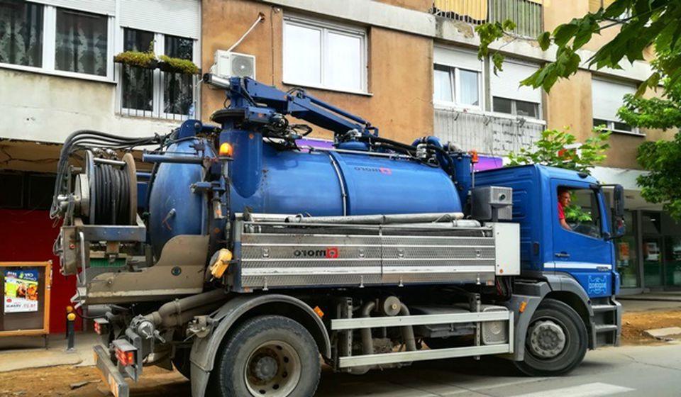 Kanal džet u ulicama Kragujevačkih đaka i Francuskoj. Foto VranjeNews